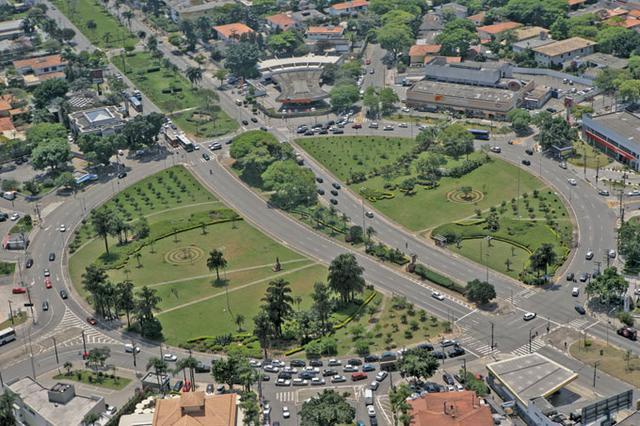 Praça Panamericana em Pinheiros
